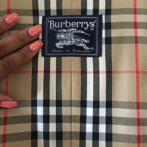 Burberry - Classic, Khaki Trench Coat